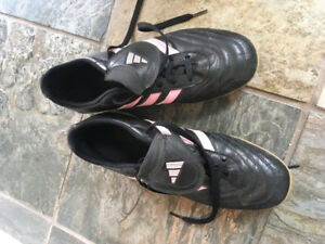 Addidas indoor soccer shoes