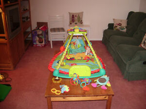 GREAL DEAL - ACTIVITY BLANKET