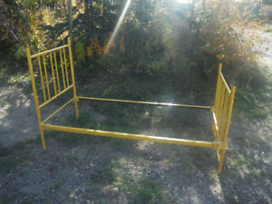 Antique Cast Iron Single Bed Frame WAS 200.00 NOW ONLY 125.00