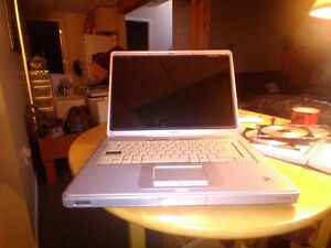Compaq Laptop with Charger and revovery CD's