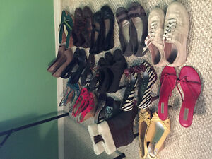 16 pairs of women's shoes size 9.5-10