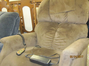 LIFT OUT RECLINER   $450.00