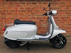 NEW Scomadi TT125 Euro4 learner legal – own this scooter for only £16.28 a week