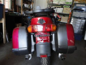 parting out 1992 Honda ST1100 sold in parts only