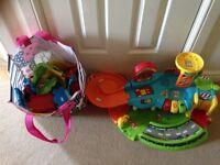 Toot toot bundle garage, tracks, cars etc