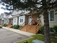 A must see....Lovely condominium townhouse in Orleans