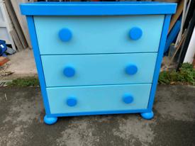Set of children's drawers