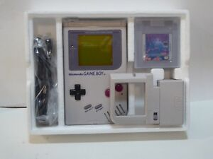VINTAGE NINTENDO GAME BOY SYSTEM IN BOX WITH 5 EXTRA GAMES-MINT