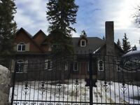 WaterFront Chateau in Bragg Creek, 20 Mins To Calgary, Trades