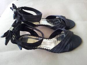 GIRLS / LADIES / WOMENS BLACK SATIN SANDALS