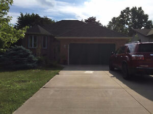 WELL MAINTAINED RAISED RANCH IN BELLE RIVER