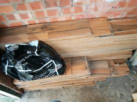 40 m2 Natural walnut laminate flooring