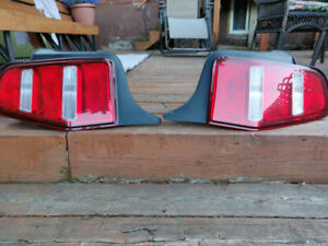 2010 2012 Mustang Tail Lights