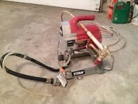 Spray paint gun, like new!