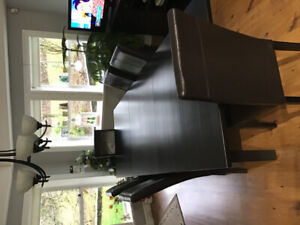 Kitchen/dining table and 6 chairs