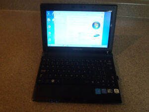 "Samsung N145 Plus 10"" Netbook with Case"