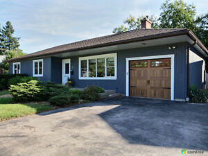 Move-in ready 3+2 bedroom bungalow in desirable Ancaster!