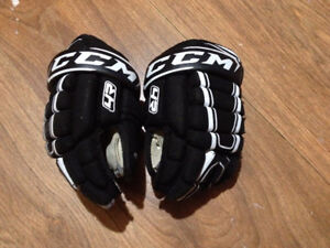 Boys Novice 9 inch Hockey Gloves and 8 inch Shin Pads
