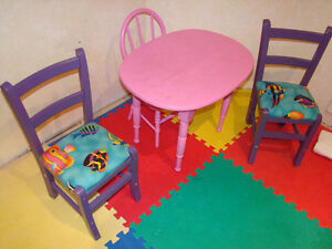 Toddler size table and 3 chairs