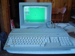 Vintage Atari 1040ST computer & SC1224 monitor