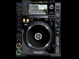 PIONEER CDJ 2000 PAIR (TOP CONDIDTION)