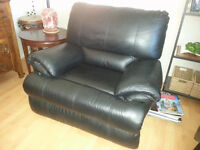 Black Leather Recliner/Rocker Chair MINT CONDITIION