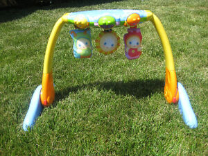 Fisher Price Musical Activity Toy Cambridge Kitchener Area image 1