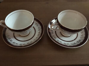 5 Vintage Teacups with saucers