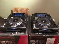 2 x Pioneer CDJ 2000 Nexus. Pristine Condition
