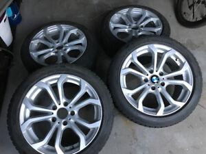 Bmw mags 17 pouces sur pneus hiver clouté A1 le tout quasi neuf