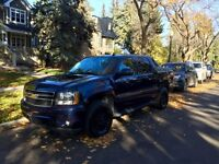 2008 CHEVY AVALANCHE LT 4X4 LOW KM