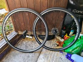 Brand New. Mavic Aksium 19 700c QR wheelset