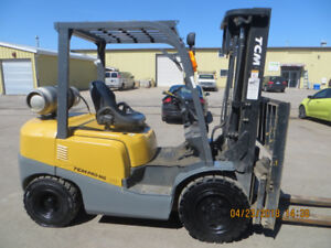 2013 6000 LB CAPACITY TCM FORKLIFT LOW LOW HOURS