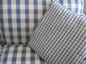 Comfortable Couch in Blue & Beige Check Pattern