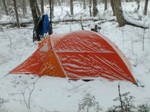 Winter/ 4 Season Tent for sale, practically new