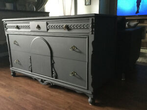 LOVELY Antique Hutch/Buffet/Console - MUST SEE