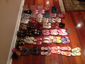 42 paires de Souliers /Shoes pour fille (From infant to toddler)