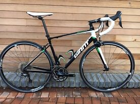 Giant Defy 0 2015 road bike. Size medium. Mint Condition. Only done 100 miles.