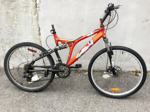 Full suspended bike with disc brake for parts or restore