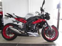 2015 TRIUMPH STREET TRIPLE RXIMMACULATE BIKE WITH QUICKSHIFTER, SEAT COWL