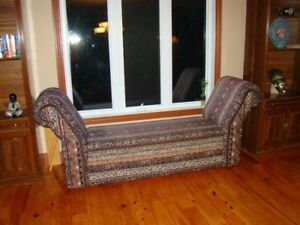 Beautiful lounge chaise ---belle chaise