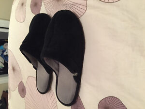 Size 10 black slippers