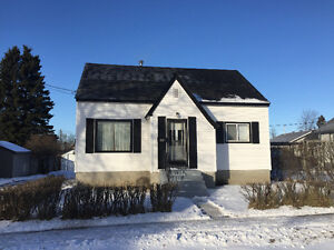 Quiet Spacious 4 Bedroom in College Heights perfect for family