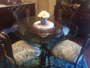 Beautiful Ashley Dining table and chairs