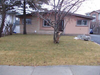 3 BEDROOM MAIN FLOOR OF HOUSE CLOSE TO HOSPITAL