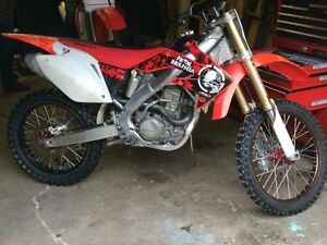 2004 Honda crf 250r dirt bike
