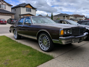 1983 chevy caprice 22IN RIMS. Dealer maintained! NO RUST. ACTIVE