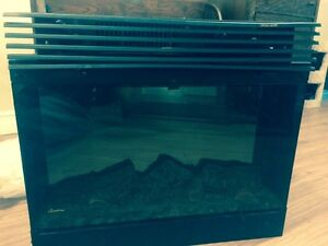 Dimplex electric fireplace in great condition!