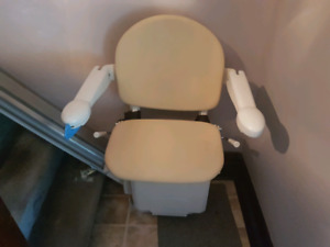 Electric stair chair left