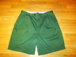 Tommy Hilfiger Mens Casual Short Size 38 Green NWT